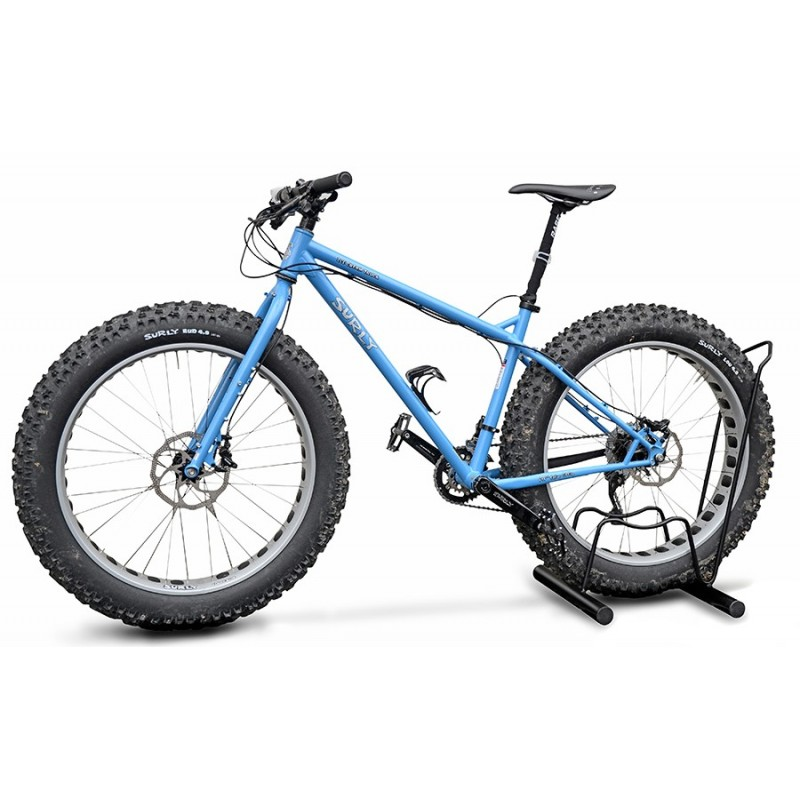 One space stand grounded bike rack for FAT-BIKE
